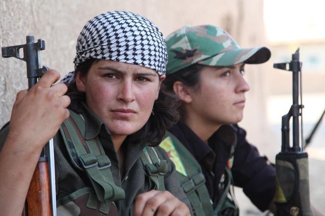 kurdish-women-fighters1